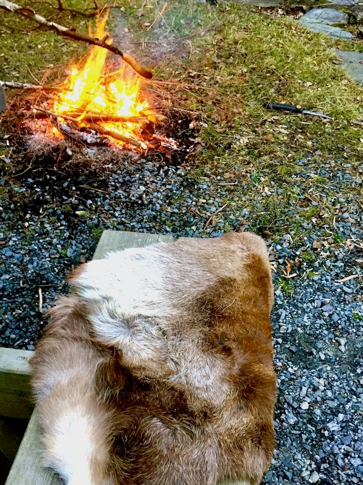 Laks på bålet