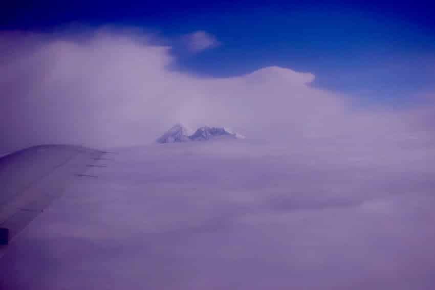 Mt. Everest gjennom skydekket