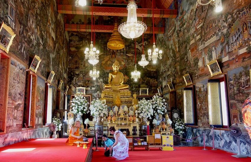 Inne i tempelet, Wat Arun