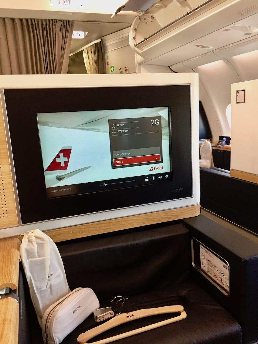 Skjermene er store og fine, Anmeldelse: Swiss First Class fra Zurich til Dubai