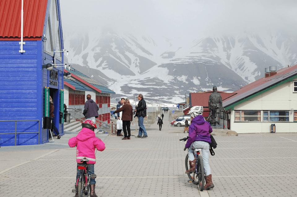 Svalbard, hovedgata