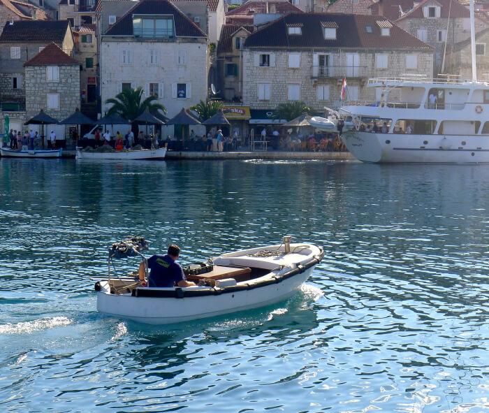 Seilferie i Kroatia - inn til Hver