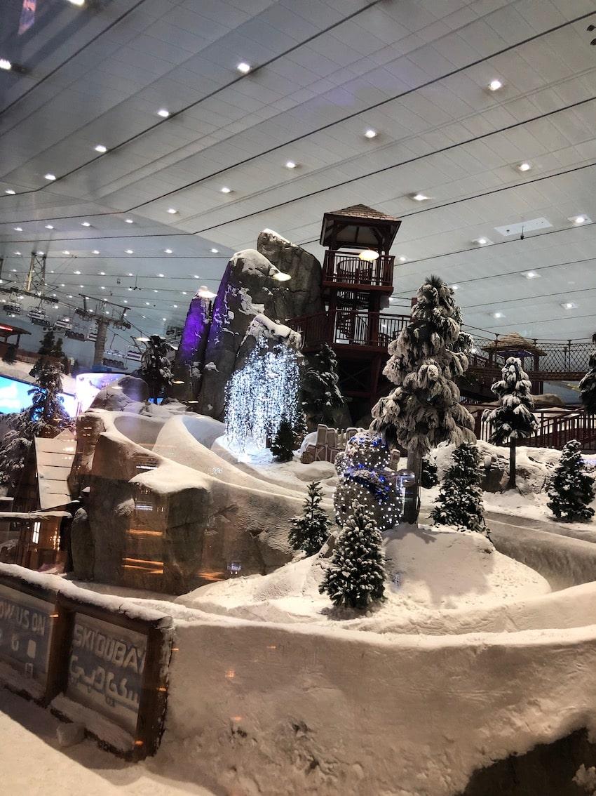 Innendørs skianlegg ved Kempinski Mall of Emirates