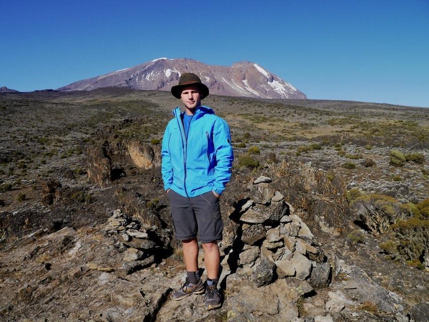 Toppen, Uhuru Peak i bakgrunnen